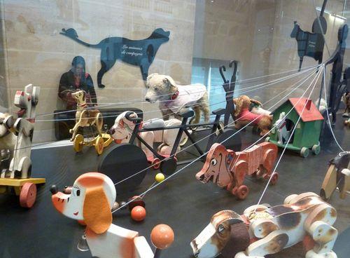 Animal_exhibit_paris02