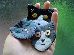 Felt_cat_pins