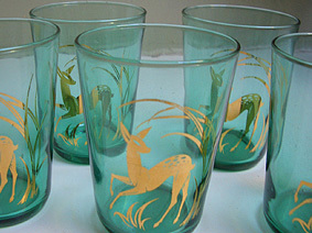 Green_glass_deer