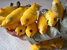 Yellow_canary_love1